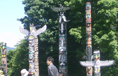 totems at stanley park 2